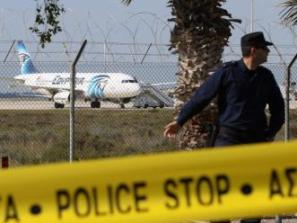egypt-hijacked-plane-4